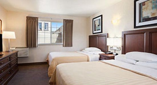 Travelodge By The Bay 4.jpg